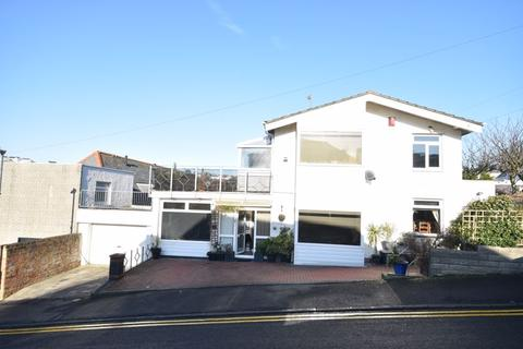 3 bedroom detached house for sale - 1 Crosshill, The Knap, Barry, CF62 6SR