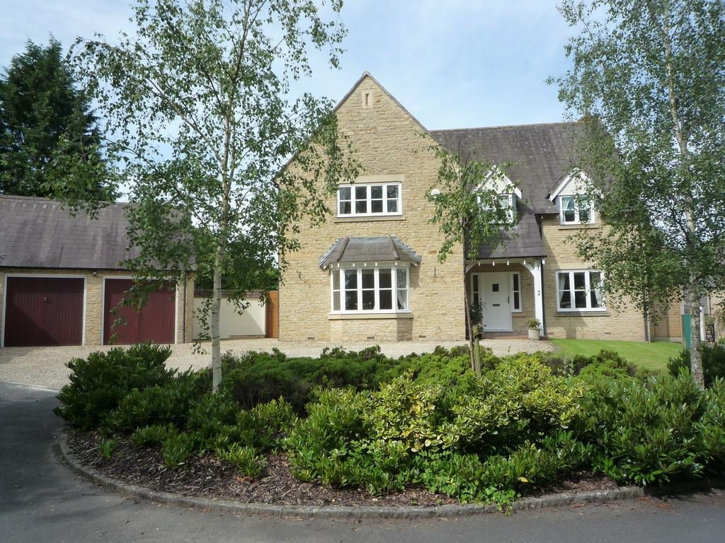 4 Bedrooms Detached House for sale in Shakesfield Close, Tredington