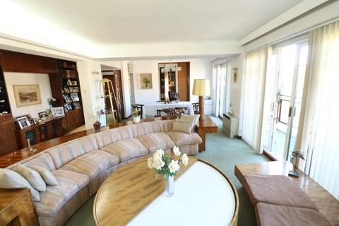 4 bedroom flat for sale - Golders Green Road, London, NW11