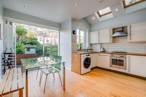 3 bedroom terraced house for sale - Stuart Road, SW19