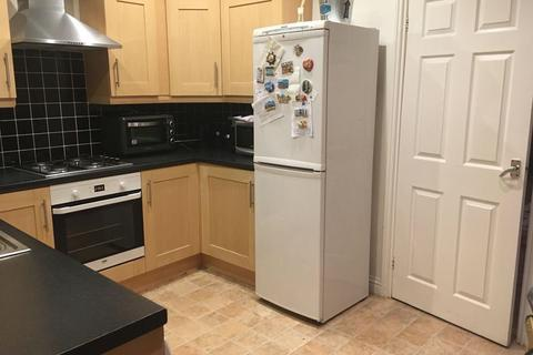 2 bedroom terraced house to rent - Lyndhurst Terrace, Sunderland