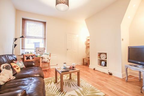 2 bedroom apartment to rent - Myrtle Grove,  Jesmond - 2 bedrooms - 95pppw