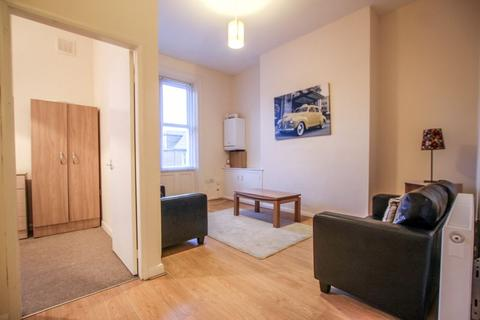 2 bedroom apartment to rent - Grosvenor Road, Jesmond - 87pppw