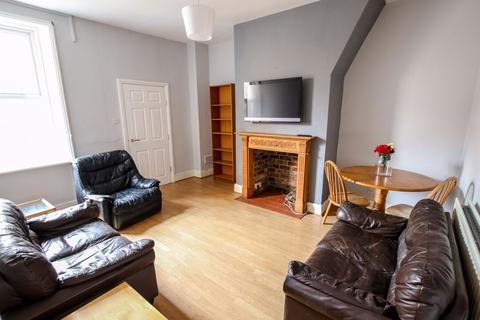 3 bedroom apartment to rent - Mayfair Road, West Jesmond - 3 Bedrooms - 85pppw