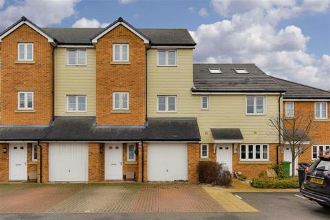 3 bedroom townhouse for sale - Alpine Close, Epsom, Surrey