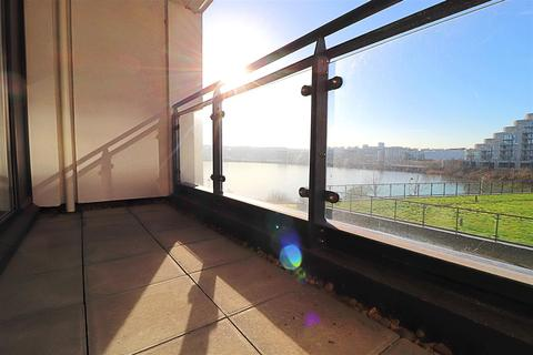 2 bedroom apartment for sale - Prospect Place, Cardiff Bay