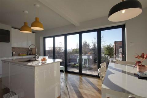 4 bedroom semi-detached house for sale - Egerton Road, Berkhamsted, Hertfordshire