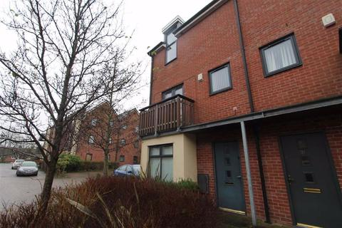 3 bedroom townhouse for sale - Mere Drive, Swinton