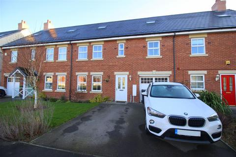 6 bedroom townhouse for sale - Merrybent Drive, Merrybent, Darlington