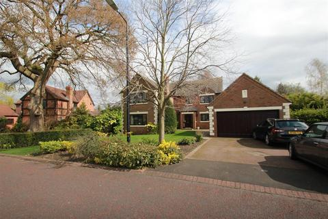 5 bedroom detached house to rent - Canon Drive, Bowdon, WA14 3FD.