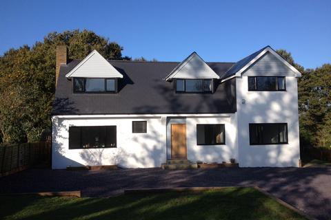 4 bedroom detached house to rent - Harvest Hill Road Maidenhead Berkshire