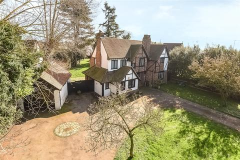 4 bedroom detached house for sale - Denham Avenue, Denham, Buckinghamshire, UB9