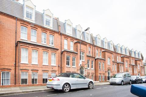 2 bedroom apartment to rent - Mark Mansions, Westville Road, Shepherds Bush, W12 9PS