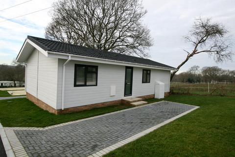 2 bedroom mobile home for sale - Spill Land Country Park, Benenden Road, Spill Land Country Park, Biddenden TN27