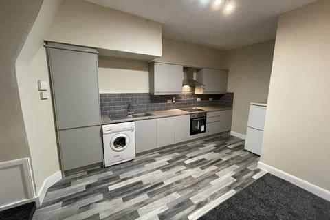 3 bedroom flat to rent - Commercial Street, Dundee