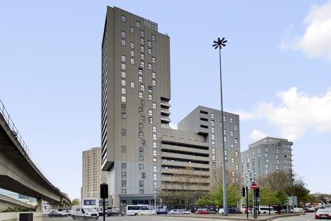 2 bedroom flat to rent - Wharfside Point South, Canary Wharf E14