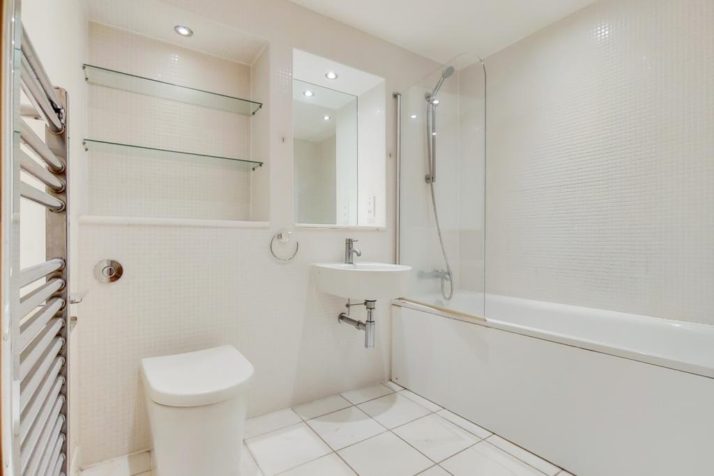 6 Bathroom 0