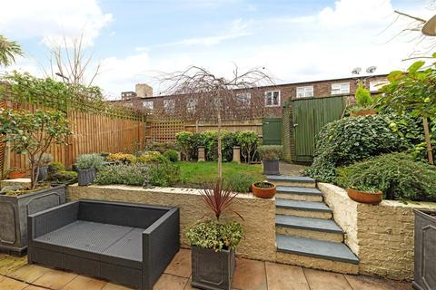 3 bedroom terraced house for sale - Arabella Drive, London