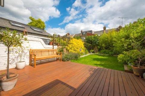 4 bedroom terraced house to rent - Wendover Road, Willesden Green, London, NW10
