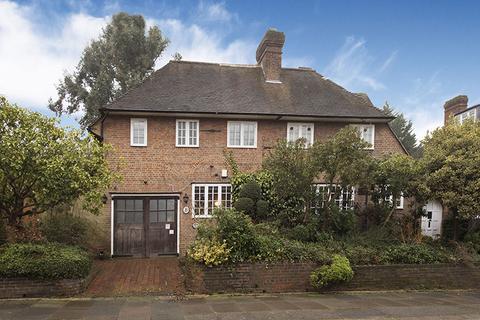 6 bedroom detached house for sale - WELLGARTH ROAD, HAMPSTEAD GARDEN SUBURB, NW11