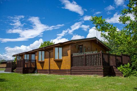 3 bedroom lodge for sale - Newton Upon Derwent  East Riding of Yorkshire