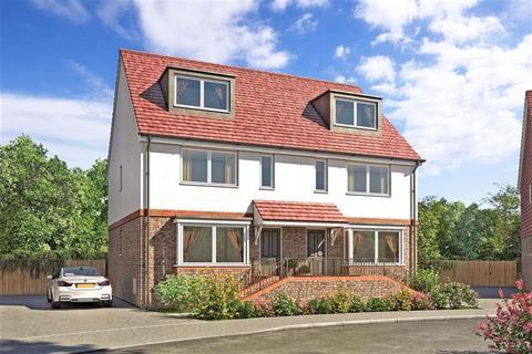 4 bedroom semi-detached house for sale - Lucas Close, Queenborough, Sheerness, Kent