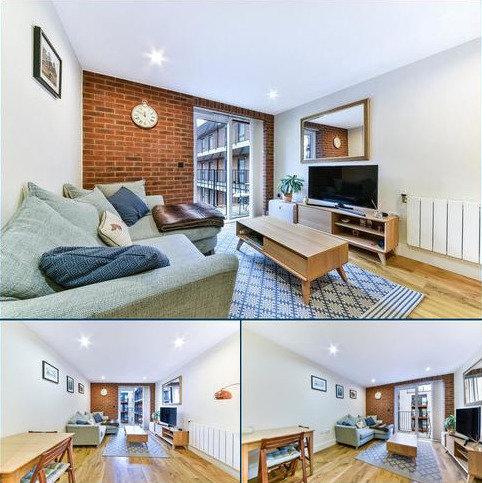 1 bedroom flat for sale - Warehouse Court, NO 1 Street, London, SE18