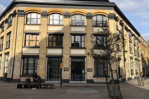 Property to rent - London, EC2A