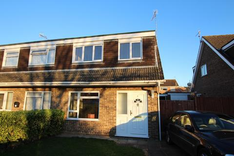 3 bedroom semi-detached house to rent - Avalon Way, Durrington, BN13