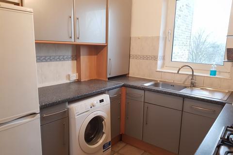 3 bedroom flat to rent - Middleton St, E2
