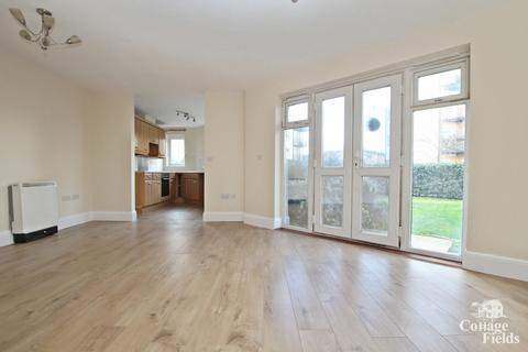 2 bedroom flat for sale - Acer Court, Enfield, EN3 - Ground Floor Corner Apartment with Garden