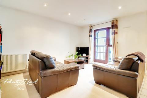 2 bedroom flat for sale - St Pauls Way, LONDON