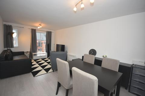 3 bedroom apartment to rent - Stretford Road, Manchester, M15 5TP