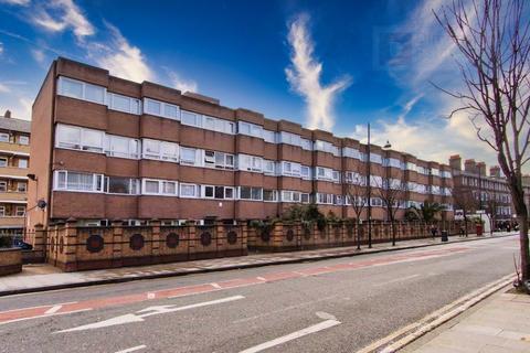 3 bedroom flat to rent - Keats House, Roman Road, London, E2