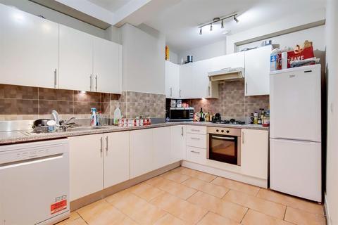 3 bedroom flat for sale - Queens Road, Peckham, SE15