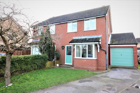3 bedroom semi-detached house for sale - Wright Drive, Dereham NR19
