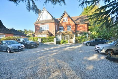 2 bedroom flat for sale - Pinewood Road, Branksome Park, Poole