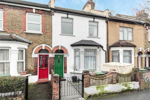 3 bedroom terraced house to rent - Gosport Road, Walthamstow, London