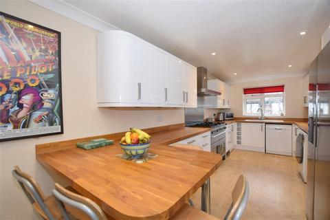 4 bedroom detached house for sale - Kings Acre, Downswood, Maidstone, Kent
