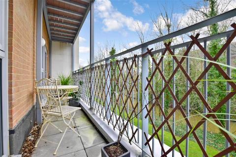 1 bedroom apartment for sale - Sovereign Way, Tonbridge, Kent