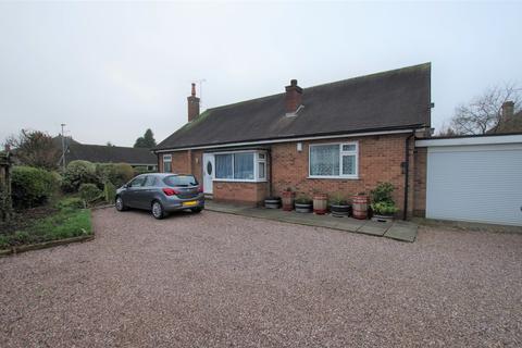 2 bedroom detached bungalow for sale - Tean Road, Cheadle