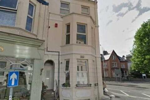 1 bedroom flat for sale - First Floor Flat, 25 Cheriton Place, Folkestone
