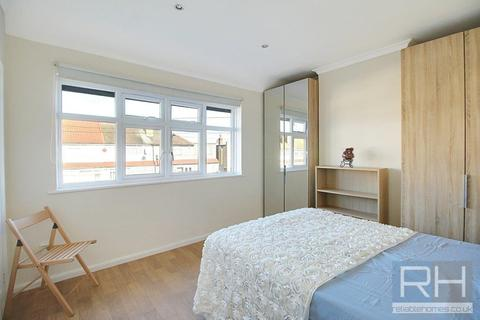 House share to rent - Leyburn Road, London, N18
