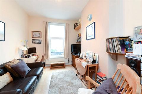 1 bedroom apartment to rent - Bedford Hill, London, SW12