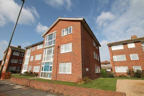 2 bedroom flat to rent - Marine Court, Beach Green, Shoreham-by-Sea, BN43 5LQ