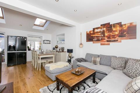 4 bedroom terraced house to rent - Westway, Shepherds Bush