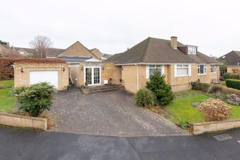3 bedroom semi-detached bungalow for sale - Warleigh Drive,