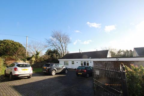3 bedroom detached bungalow for sale - Llanfairpwll, Anglesey