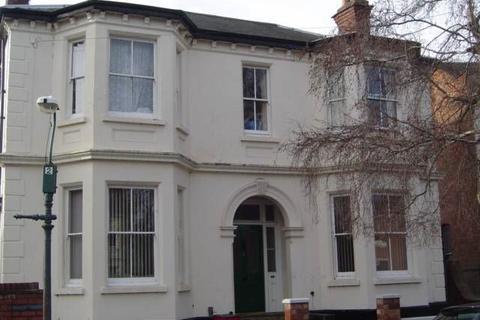 Studio to rent - Flat 1, St Marys Crescent, Leamington spa CV31 1JL