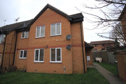 Studio to rent - Willow Way, Toddington, Dunstable, LU5